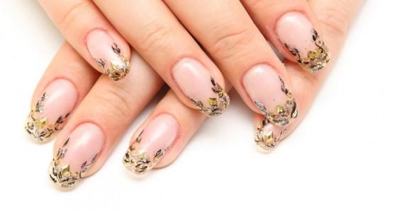 Наращивание ногтей акрилом — плюсы и минусы